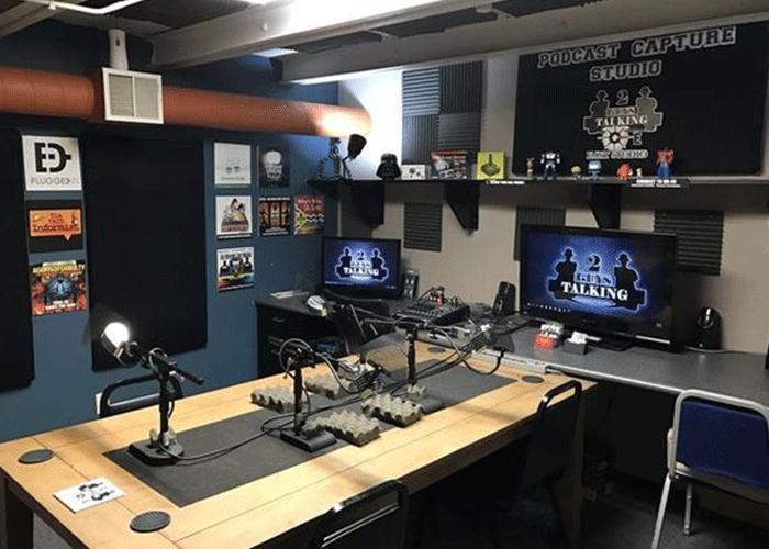 Peredam-Suara-Ruangan-Ruang-serbaguna-podcast-jakarta